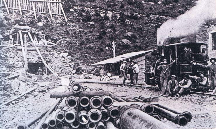 Percement du tunnel du Lötschberg en 1906